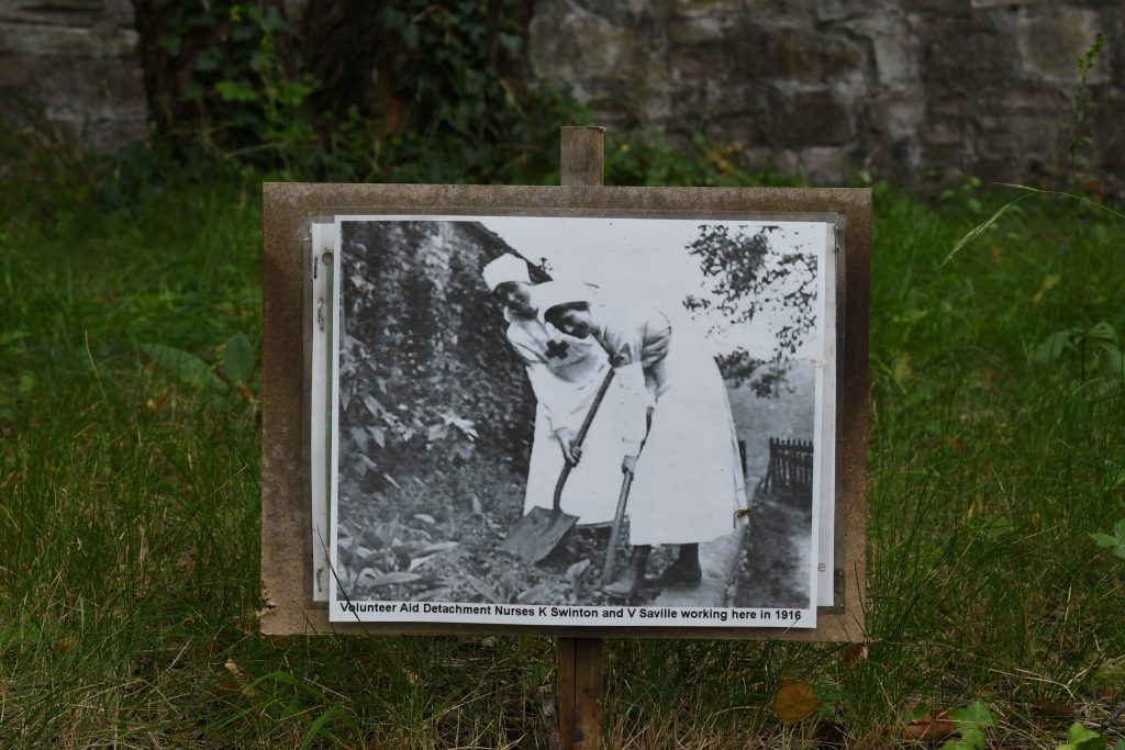 Volunteer aid detachment nurses working at Bishop Knoll in 1916
